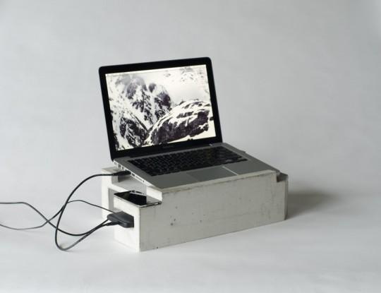 Greg Papove - Concrete laptop stand - picture 4