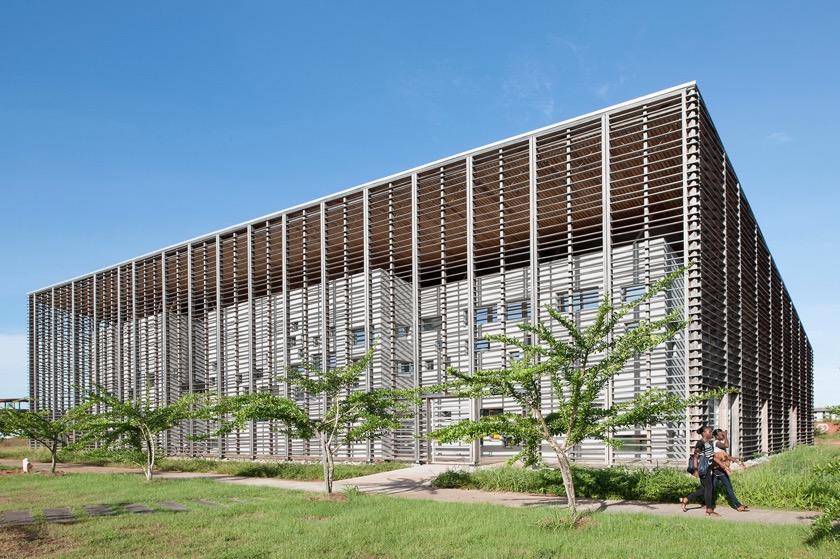 Cayenne University Library - outside