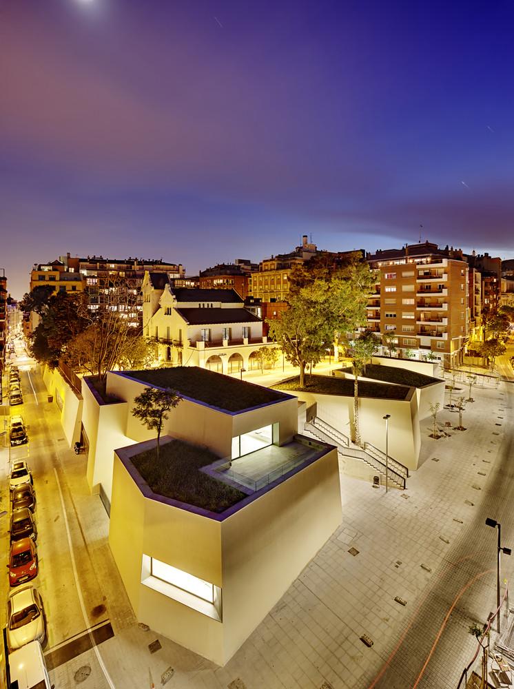Joan Maragall Library Barcelona - outside