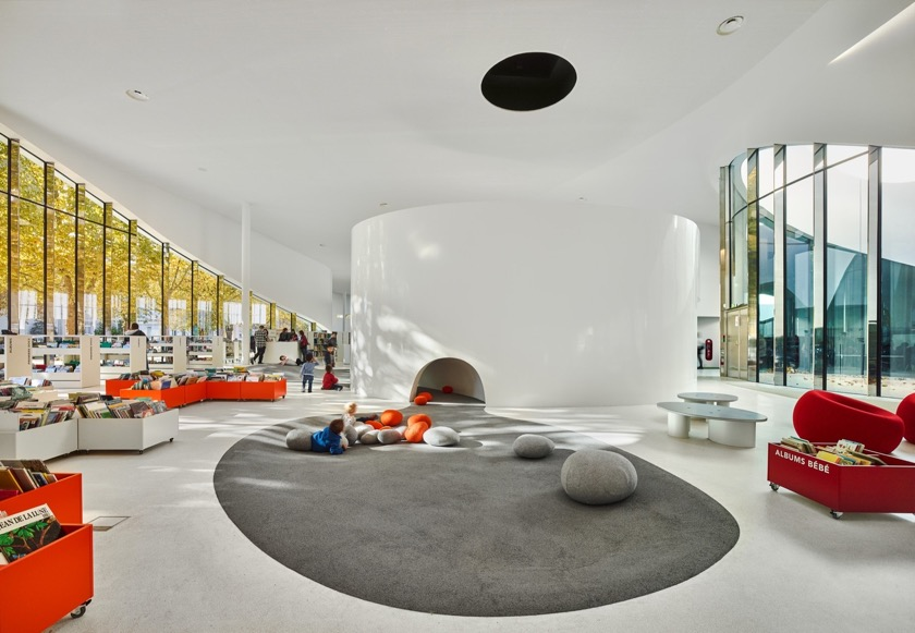 Thionville Library - inside
