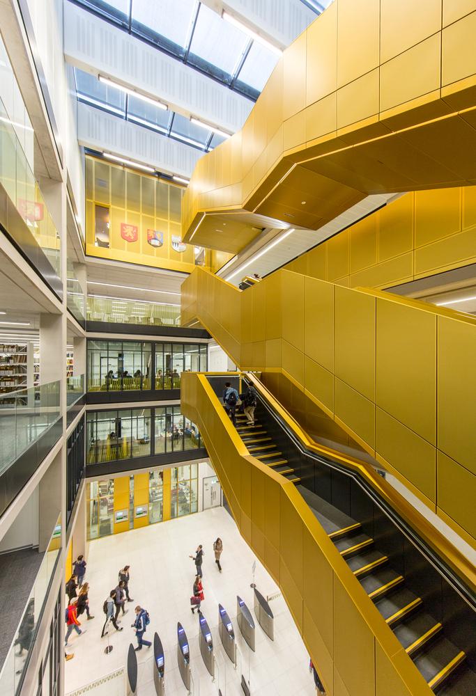 University of Birmingham's Library - hall