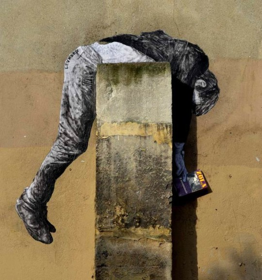Books - street art by Levalet - picture 1