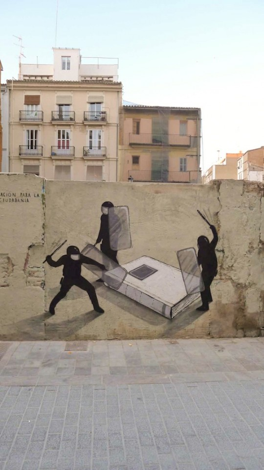 Bien connu 40 examples of street art and murals about books, libraries, and  BF39