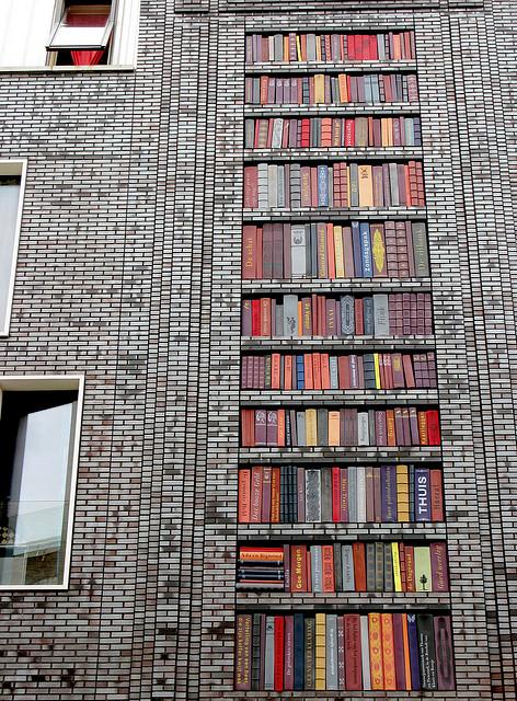 Arte de rua - Wall of Books