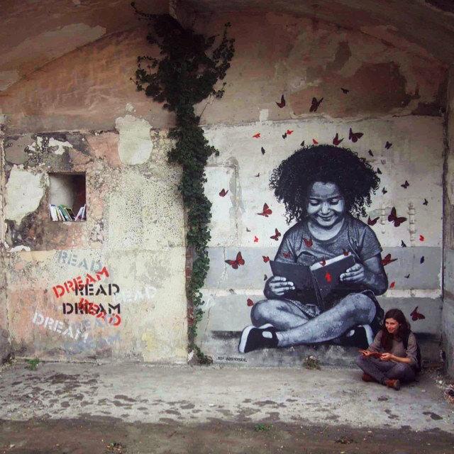 The reader - street art for In Situ Art Festival