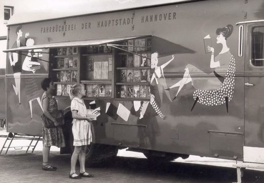 A bookmobile of the Hannover Public Library, 1960s