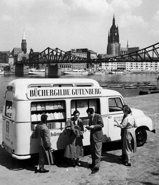Büchergilde Gutenberg book bus in 1950s