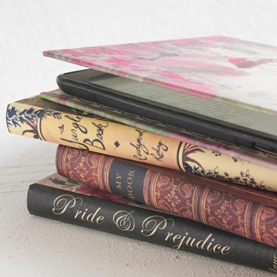 Klever Case - Classic Book Kindle Cover