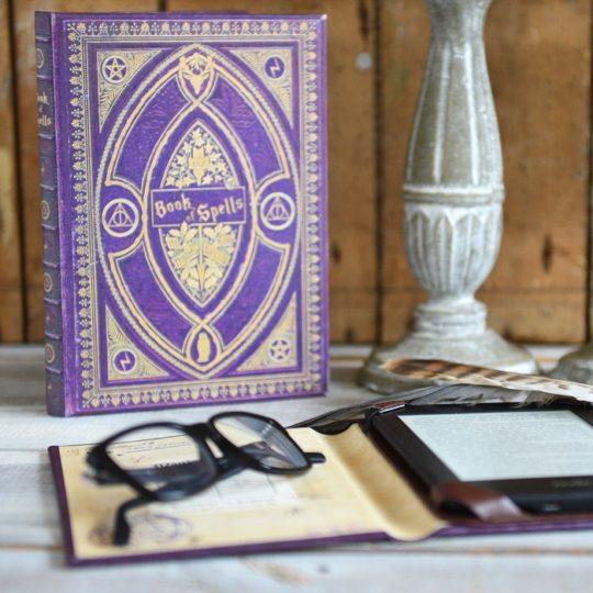 Klever Case - Harry Potter themed Kindle case