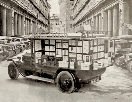 Libreria Treves - an early Italian bookshop on wheels, 1922