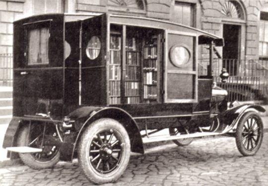 The first bookmobile in Great Britain
