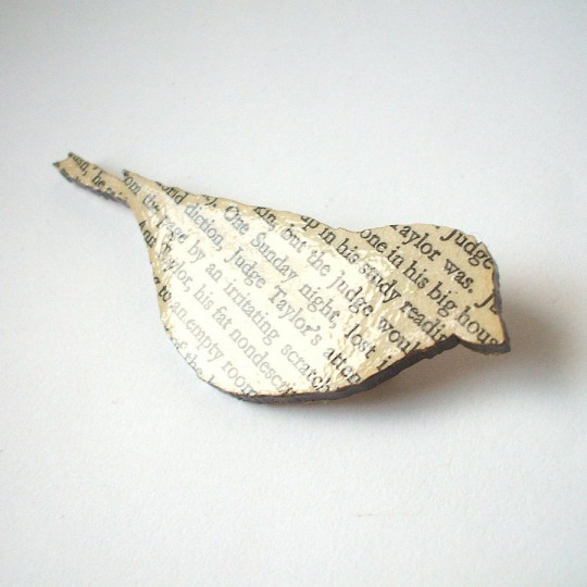 Gifts for book lovers - To Kill A Mockingbird Book Brooch