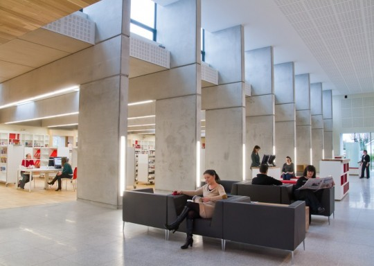 Ballyroan #Library in Dublin offers extensive seating and a large study area with many public access computers