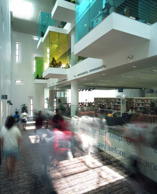 Bishan Public Library in Singapore - inside