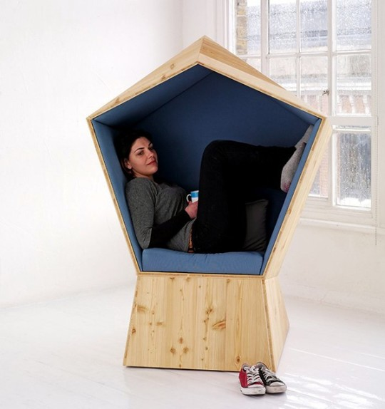 Pentagonal reading nook