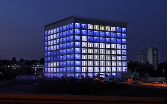 Beleuchtung Bibliothek / Stuttgart City Library by night
