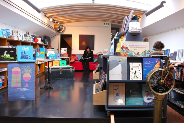 Inside Water and Dreams barge bookstore in Paris