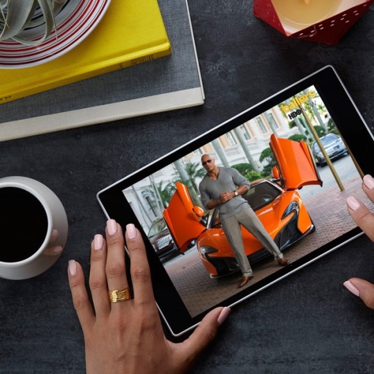 Amazon Fire HD 10 - watching movies