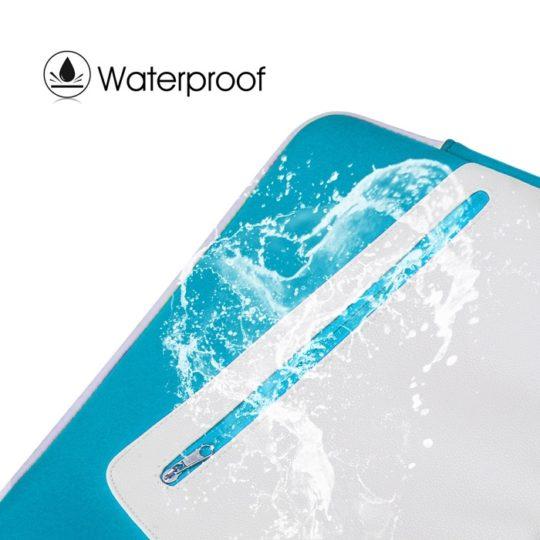Omoton iPad Pro 12.9 Waterproof Sleeve - splashing water