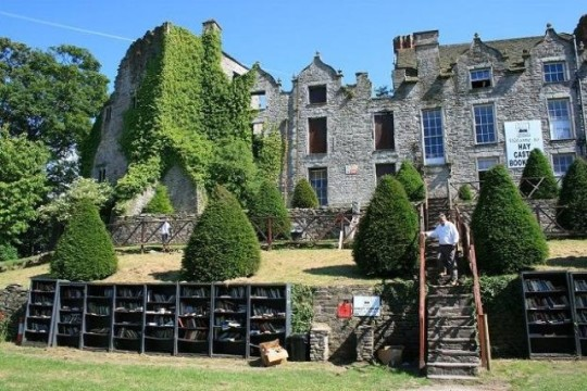 Hay Castle Bookshop in Hay-on-Wye - picture 1