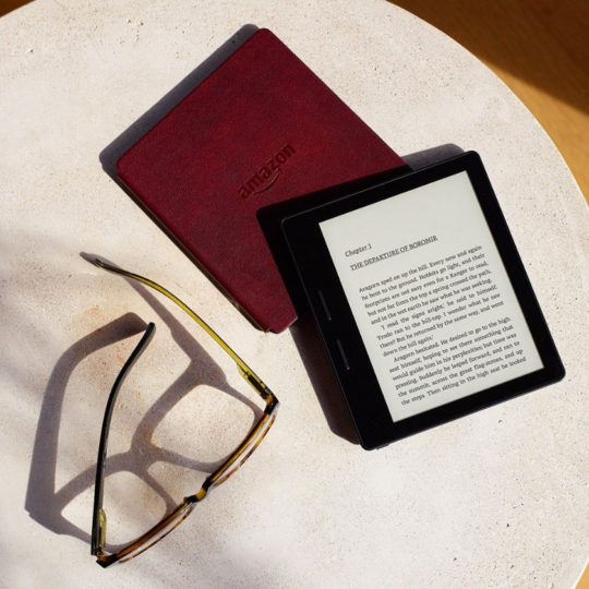 Kindle Oasis and glasses