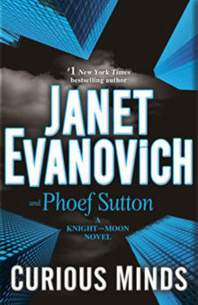 Curious Minds: A Knight and Moon Novel - Janet Evanovich