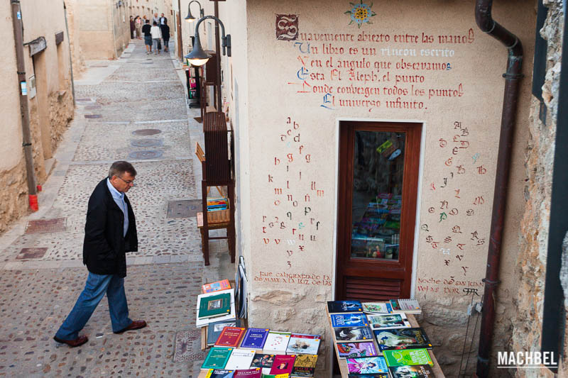 Book towns: Urueña - one of the bookshops