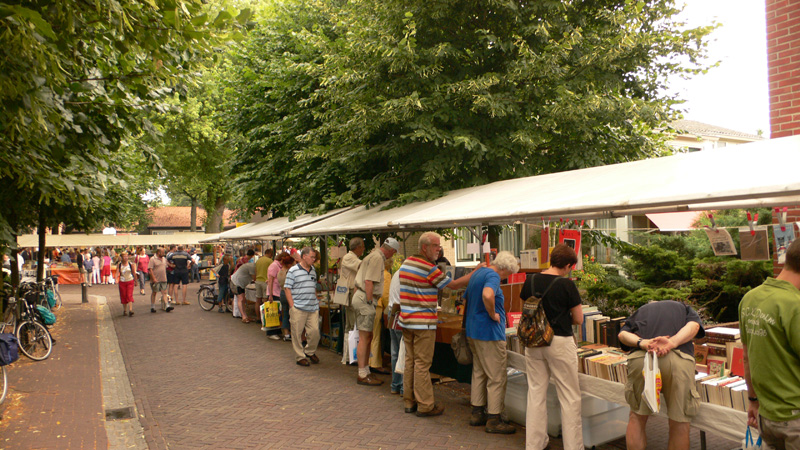 Book towns: Bredevoort - a book market