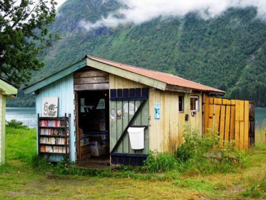Book towns: Mundal - a bookshop in a hut
