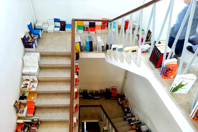 Book towns: Óbidos - books in a former post office