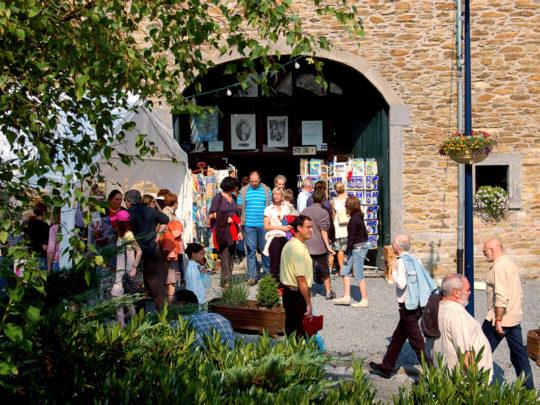 Book villages: Redu - in front of Halle Books bookshop