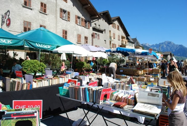 Book towns: Saint-Pierre-de-Clages - during annual book fair