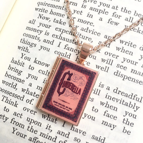 Gifts for book lovers - miniature books