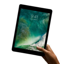 Apple iPad 9.7 2017 keeping in hand
