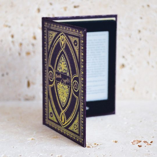 Literary gifts for mom - Kindle cover that looks like a hardback book