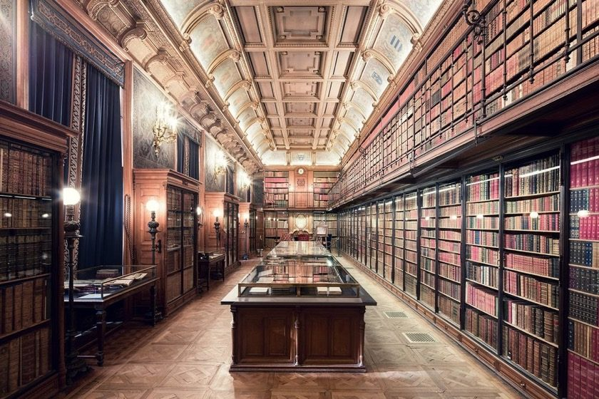 The library and archives of Château de Chantilly