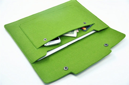 Colored Felt Sleeve for 7-inch Tablets