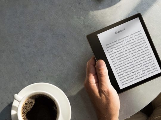 The 2017 Kindle Oasis is intended for one-handed use