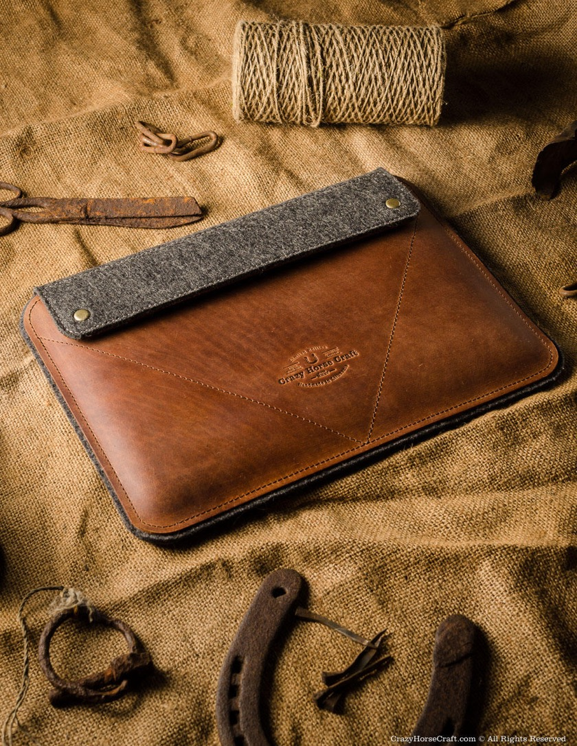 Crazy Horse iPad Pro 10.5 Leather and Felt Sleeve