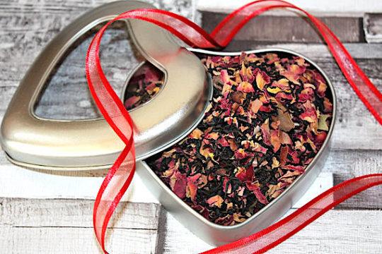 Tea Heart Tin with a Literary Quote