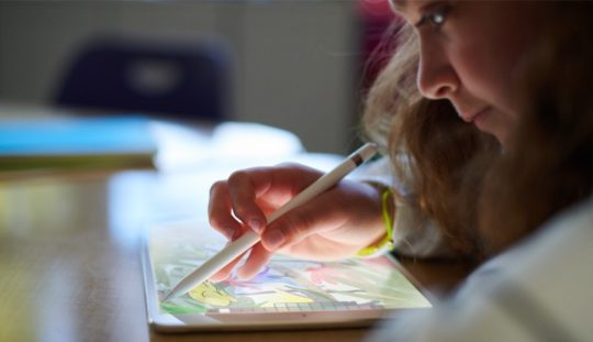 The newest iPad 9.7 (2018) is addressed to students, giving them the ability t be more creative than ever before