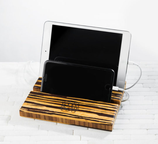 Double-slot iPad & iPhone stand with cable management