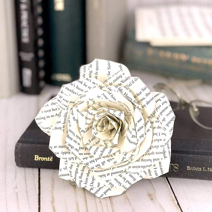 Book page rose - bookish Christmas gift ideas 2018