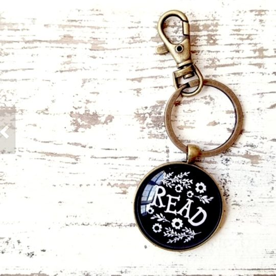 Holiday gift guide for book lovers - Read keychain