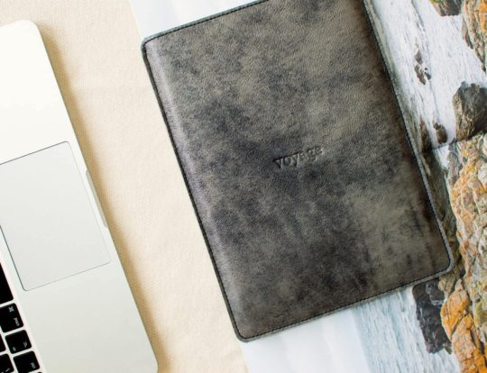 Best iPad Pro 12.9 2018 cases on Etsy - Voyage Prague leather and felt sleeve