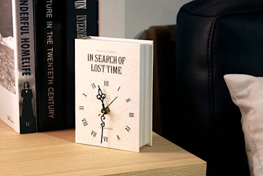 Book-shaped home appliances - Ideahouse Studio desk clock