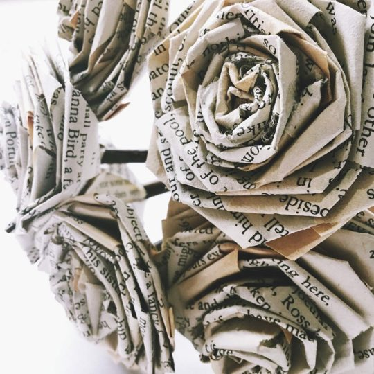Valentine's Day 2019 best gifts for book lovers: Book Paper Rose Bouquet