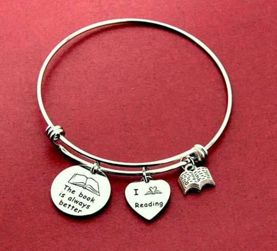 Best bookish gifts for Valentine's Day 2019 - Book lover's charm bracelet