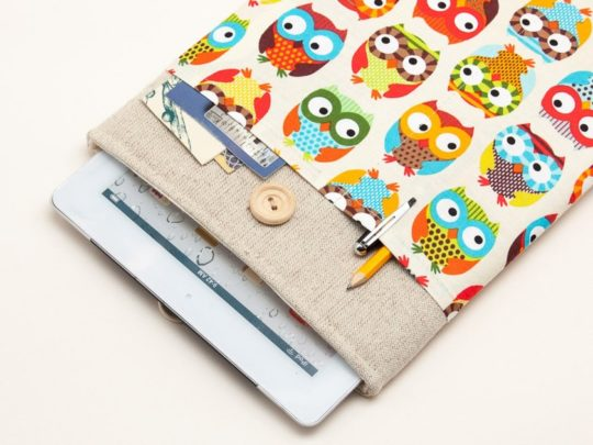 BluCase natural linen cute owls iPad sleeve