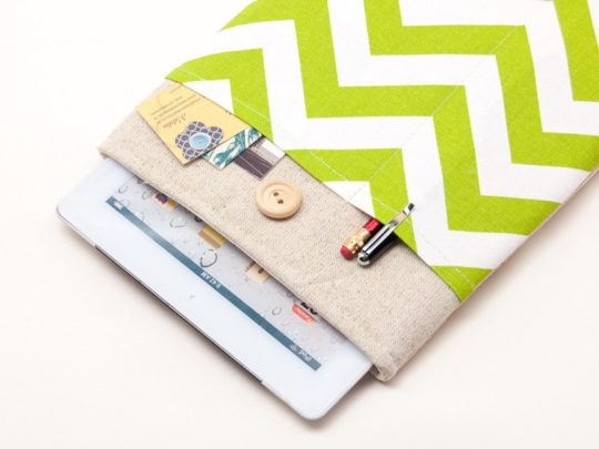 BluCase zigzag stripes natural Apple iPad sleeve